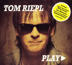 TomRiepl_PLAY_Cover_Sticker